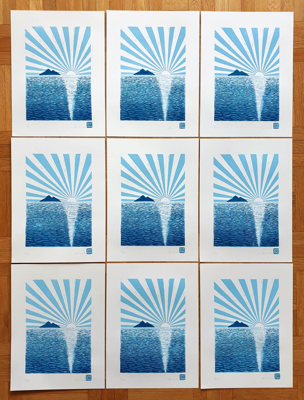 Fertiger Linoldruck/Kunstdruck: Fisch mit Fahrrad und Wein (schwarz))